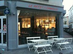 Le Petit Cambodge    20 Rue Alibert, 75010 Paris 01 42 45 80 88