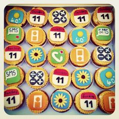 iPhone Cupcakes. Apps to eat!!!