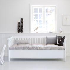 Skippertaks Huset: Oliver Furniture