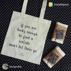 Simple totebag wedding souvenir.. kontak order : Wa : 081390989077