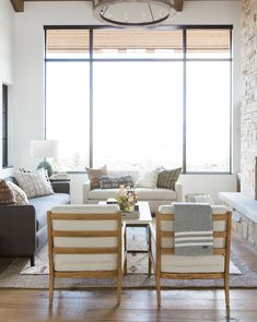 50 Best Living Room Design Ideas for 2019 - The Trending House Coastal Living Rooms, Living Room Colors, Rugs In Living Room, Interior Design Living Room, Living Room Designs, Living Room Furniture, Living Room Decor, Interior Paint, Living Room Remodel