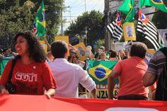 Ex-presidente e a muher dele, Marisa, prestariam depoimento ao Ministério Público no local nesta quarta, mas oitiva foi suspensa