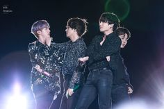 """VMIN 뷔민 on Twitter: """"BTS Vocal Line OMG!!.. what a view. A total visual satisfaction 😍 #BTS #Jin #Jimin #V #Jungkook… """""""