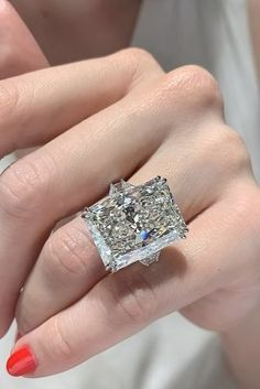 The Best Engagement Rings For Women In 2019 ★ engagement rings for women white gold solitaire radiant cut diamond Most Popular Engagement Rings, Beautiful Engagement Rings, Diamond Engagement Rings, Diamond Rings, Gold Diamond Wedding Band, Bridal Rings, Wedding Rings, White Gold Rings, Diamond Cuts