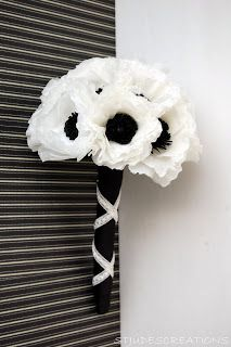 black and white wedding - anemone wedding order