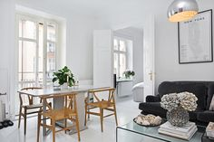 my scandinavian home: Stockholm; white, grey and dusty pink Scandinavian Living, Scandinavian Interior, Style At Home, Home Interior Design, Interior Architecture, Swedish Home Decor, Dining Room Inspiration, Home Fashion, Home And Living