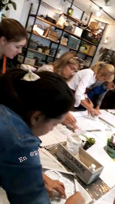 workshops 2 - @fabiliporace_deco Workshop, Deco, Cement, Manualidades, Atelier, Work Shop Garage, Decoration, Deko, Decor
