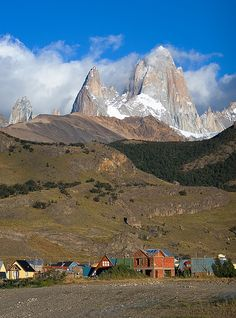 Monte Fitz Roy is a mountain located in Patagonia on the border of Argentina and Chile. Here are 15 photos that will have you putting a trip to this place on your photography bucket list. In Patagonia, Vacation Spots, South America, Beautiful Places, Scenery, Around The Worlds, Wishful Thinking, Mountains, Landscape