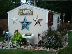 Stars, flowers & happy plants. Vintage Farm, Yard Art, Stoneware, Repurposed, Shed, Outdoor Structures, Stars, Happy, Flowers