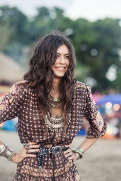 myvintagespirit:    The definition of earthy gypsy. I love her hair, her outfit, her smile, the attitude! **couturecheri**