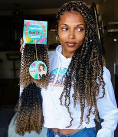 Many of you guys wanted to know the hair I used for these passion twists. I used 3 packs of Tahiti curl crochet in… Many of you guys wanted to know the hair I used for these passion twists. I used 3 packs of Tahiti curl crochet in… Box Braids Hairstyles, My Hairstyle, Girl Hairstyles, Crochet Twist Hairstyles, Hairstyles Pictures, Hair Updo, Bun Updo, Curls Hair, Black Hairstyles