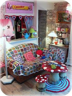 I want this as my living room :) Granny Chic Decor, Showroom Interior Design, Cool Rooms, New Room, Home Decor Inspiration, Decoration, House Colors, Bunt, Boho Decor