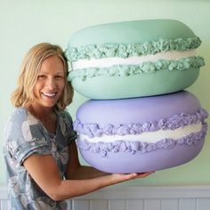 ONE Giant Macaron L - 50 cm) - Candyland decoration Prop Party decor Storefront Window display Sweet 16 birthday photo shooting decor Birthday Candy, Sweet 16 Birthday, Paper Scrapbook, Giant Donut, Photography Props Kids, Photography Studio Decor, Giant Candy, Candy Decorations, Decoration Party