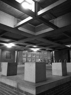 Richards Medical Research Laboratories - Louis Khan, Architect