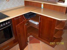 Konyhabútor faajtókkal - - BÚTORKÉSZÍTÉS - Bútorasztalos - Egyedi bútor készítés Corner Desk, Furniture, Home Decor, Cooking, Homemade Home Decor, Corner Table, Home Furnishings, Decoration Home, Arredamento