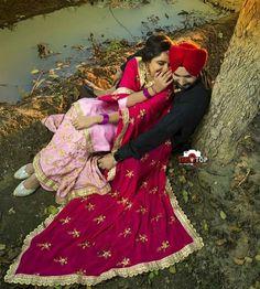 Happy Punjabi Wedding Couple, Indian Wedding Couple Photography, Wedding Couple Photos, Punjabi Couple, Sikh Wedding, Bridal Pictures, Couple Photography Poses, Wedding Pics, Wedding Couples
