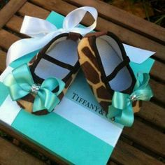 Tiffany & Co Inspired Giraffe Infant Crib Shoes by RockkandyKids. Not a fan of giraffe print but they are from Tiffany! My Little Girl, Little Princess, Princess Sophia, Princess Aurora, Baby Princess, Cute Kids, Cute Babies, Baby Crib Shoes, Tiffany Blue