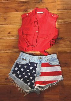 Sleeveless collared shirt with high waisted shorts that have a print on them like these American flag ones make a perfect casually cute summer outfit!