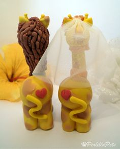 Giraffe cake topper personalized wedding cake with by PerlillaPets