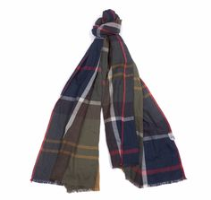 The Barbour Walshaw Scarf is crafted in cooling cotton with a brushed finish for luxurious softness. It carries an oversized version of Barbour's Classic Tartan and is finished with a fringed hem for a touch of texture.