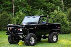 Ford : Bronco Sport 1971 Ford Bronco Sport frame off restoration - beautiful Black paint uncut look