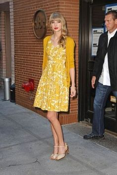 Taylor Swift in Neon Yellow Moulda Cashmere Cardigan