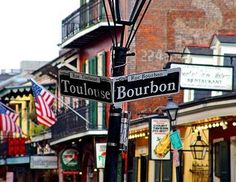 The French Quarters in New Orleans offers a variety of cajun food eateries and comes alive with bars and clubs at night.  Take a Gourmet Food tour and indulge in tantilising flavours whilst pretending you are in France, before dancing the night away in this hip part of town!