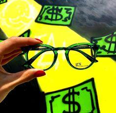 Gwen Stefani glasses Gwen Stefani Style, Eyewear, Glasses, Collections, Chic, Fashion, Shabby Chic, Moda, Eyeglasses