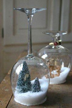 Idea deco: Navidad helada DIY dentro de una copa #ideas #decoracion #Navidad