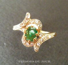 Antique EDWARDIAN EMERALD DIAMOND Engagement ring in 18kt gold and platinum; French c. 1900 by TresorsDuJour