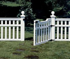 Build A Picket Fence An elegant picket fence that's easy to build.