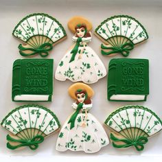 Gone With The Wind cookies Fancy Cookies, Cute Cookies, Cupcake Cookies, Sugar Cookies, Cupcakes, Cookie Frosting, Royal Icing Cookies, Frosted Cookies, Decorated Cookies