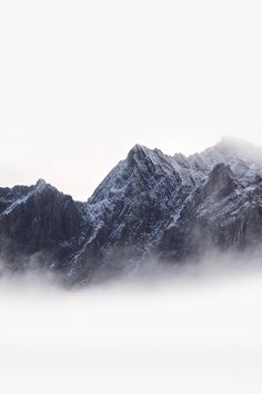 iPhone Wallpaper 5, 6 - Mountain White Mist Clouds Winter