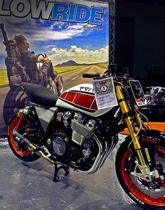 Cafe Racer Bikes, Cafe Racers, Xjr 1300, Custom Motorcycles, Scrambler, Yamaha, Vehicles, Madness, Cars