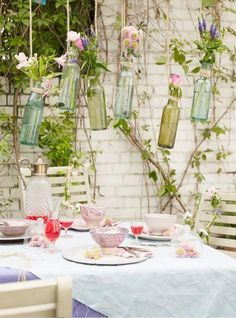 Outdoor dining - 24 The Most Coolest DIY Vintage Garden Decorations You Need To Make This Summer Decoration Originale, Deco Floral, Deco Table, Summer Garden, Diy Garden, Garden Ideas, Cool Diy, Garden Inspiration, Outdoor Gardens