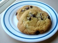 Chewy Chocolate Chip Cookies | The Happy Housewife