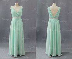 I love this color of dress!! I have a short sum mer dress in this color and it always looks good :)