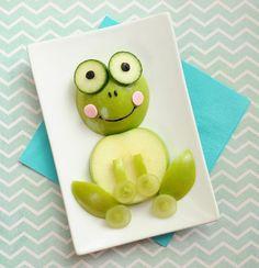 Fun Food kids apple apfel weintrauben grapes snack healty gesund frog frosch easy einfach schnell fast animals tiere kids snacks Fun After School Snacks