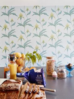 Gorgeous wallpaper Orchid by Cole & Son