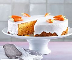 Aargau Rüeblitorte Source by Gourmet Recipes, Baking Recipes, Sweet Recipes, Cake Recipes, Swiss Desserts, No Bake Desserts, Oven Dishes, Sweet Cakes, Cakes And More