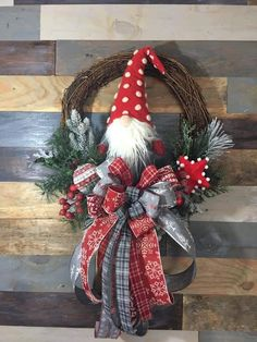 The Christmas Craft Book - My Cute Christmas Wreath Crafts, Diy Wreath, Christmas Projects, Holiday Crafts, Noel Christmas, Homemade Christmas, Christmas Ornaments, Xmas Decorations, Handmade Decorations