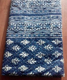 Blue And White Fabric, Tie Dye Techniques, Indigo Colour, Little Stitch, Quilted Bedspreads, Textiles, Cotton Blankets, Kantha Quilt, Applique Quilts
