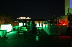 In Athens, the city that never -ever- sleeps, nightlife choices are endless. But when spring arrives, all you need is one of those precious roof terraces to make the most of your outing, this city and that Bloody Mary! My Athens, Athens Greece, Romantic Things To Do, Romantic Places, Roof Top Cafe, Best Rooftop Bars, Night Life, Terrace, Outdoor Furniture Sets