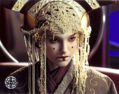 Padme in another amazing head-dress