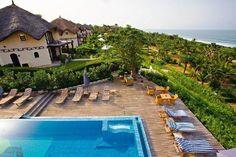 "Merci à TripAdvisor pour l'octroi du prestigieux titre ""Prix Travellers' Choice™ 2013 - Luxe"": http://www.tripadvisor.fr/Hotel_Review-g480237-d594846-Reviews-Les_Alizes_Beach_Resort-Cap_Skiring_Ziguinchor_Region_Casamance.html-m15801. :-)"