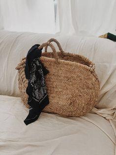 Straw farmers market bag. Beach bag. basket .Moroccan bag.boho