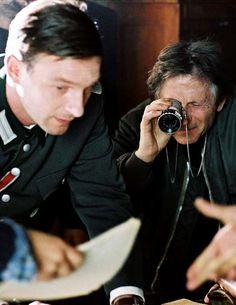 Thomas Kretschmann & Roman Polanski on the set of The Pianist