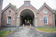 Renovatie poortgebouw kerkhof Helmond wellicht veel goedkoper