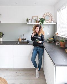 My Kitchen Rules, Kitchen Benchtops, Interior Design Living Room, Room Interior, Bedroom Green, House Rooms, Kitchen Organization, Home Kitchens, Kitchen Remodel