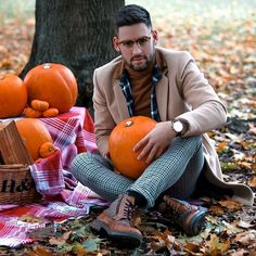 Smart Casual Boots, Suede Boots, Leather Boots, Goodwin Smith, Looking Dapper, Brogues, Autumn Boots, Chelsea Boots, Mens Fashion
